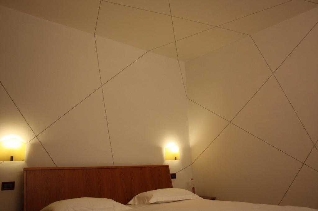 Art_Hotel_Gran_Paradiso_2011_Bianco_Valente_2.jpg