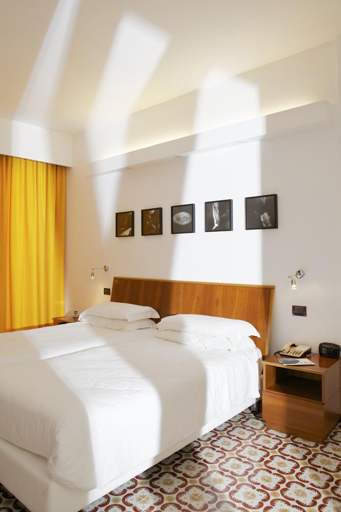 Art_Hotel_Gran_Paradiso_2012_101_Antonio_Biasucci_2.jpg