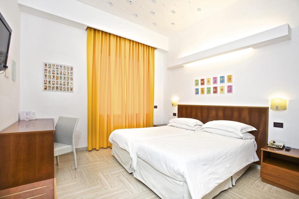 Art_Hotel_Gran_Paradiso_2012_119_Angelo_Formica_1.jpg