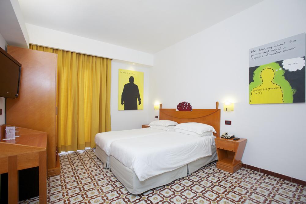 Art_Hotel_Gran_Paradiso_2012_315_Pete_Keller_1.jpg