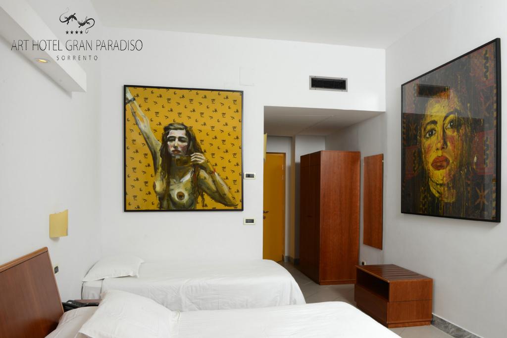 Art_Hotel_Gran_Paradiso_2013_114_Elke_Krystufek_1.jpg