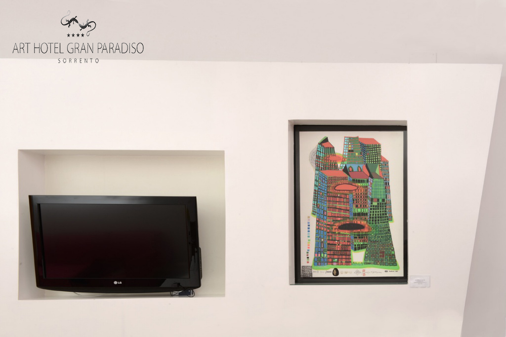 Art_Hotel_Gran_Paradiso_2013_128_Friedensreich_Hundertwasser_2.jpg