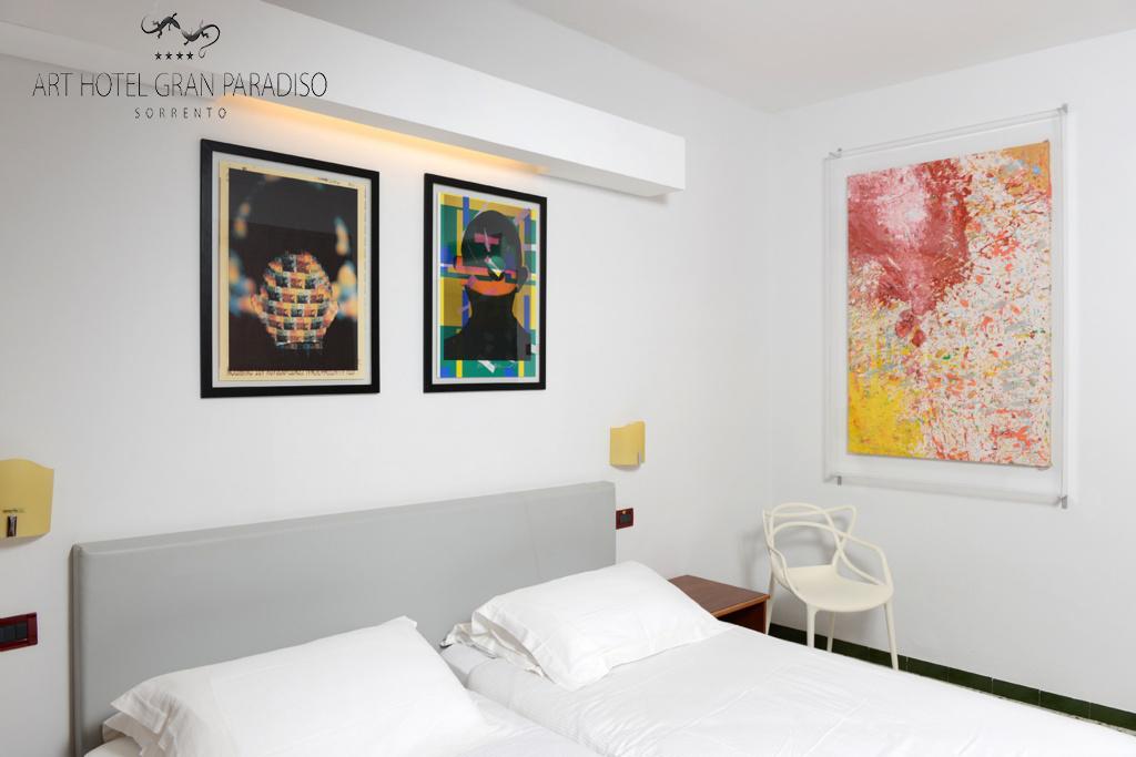 Art_Hotel_Gran_Paradiso_2013_304_Shozo_Shimamoto_1.jpg