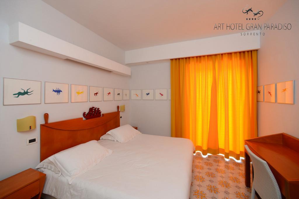Art_Hotel_Gran_Paradiso_2013_102_Luigi_Mainolfi_1.jpg