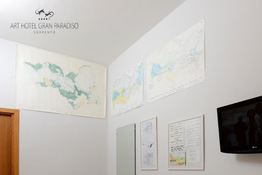 Art_Hotel_Gran_Paradiso_2013_118_Peter_Fend_1.jpg
