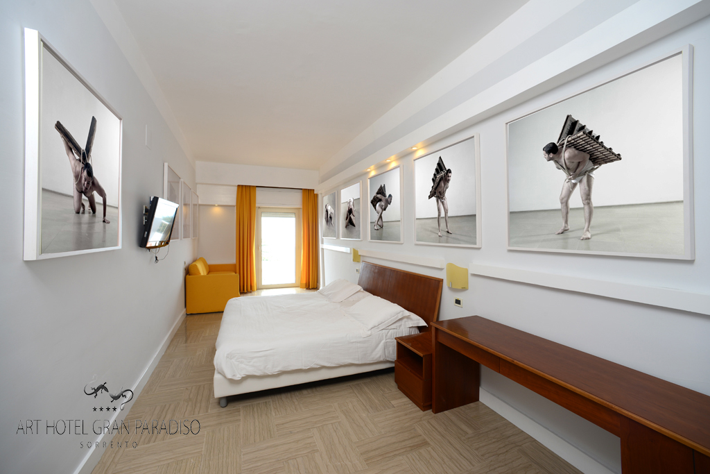 Art_Hotel_Gran_Paradiso_2013_123_Adrian_Paci_1.jpg