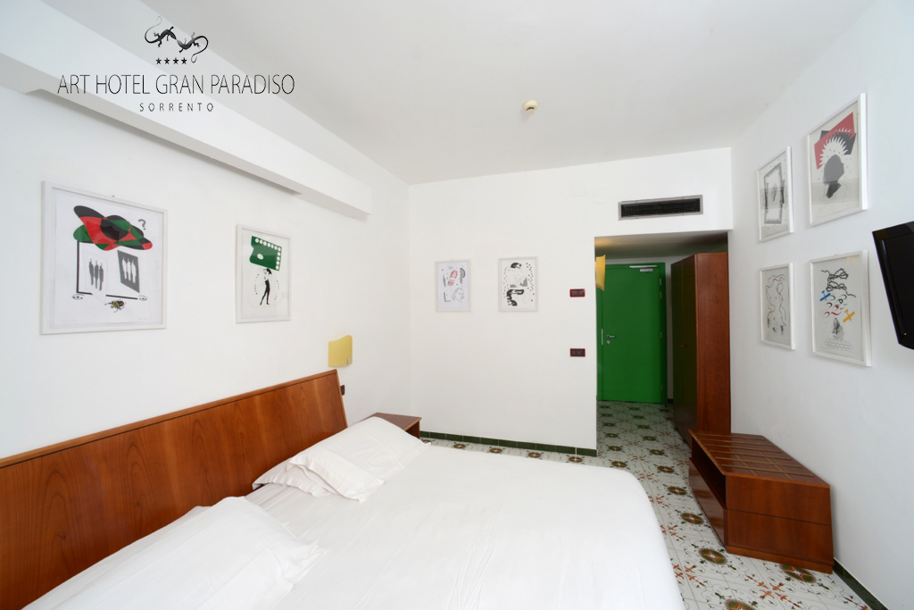 Art_Hotel_Gran_Paradiso_2013_308_Felice_Levini_6.jpg